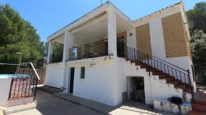 Vivienda en Godelleta con terraza cubierta